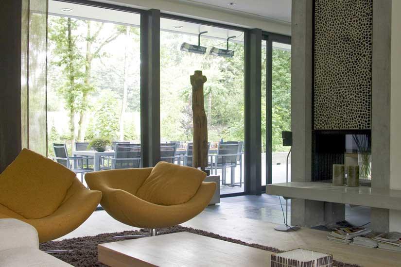 Moderne villa inrichting door d o o s interieur vormgeving - Kleur moderne woonkamer ...
