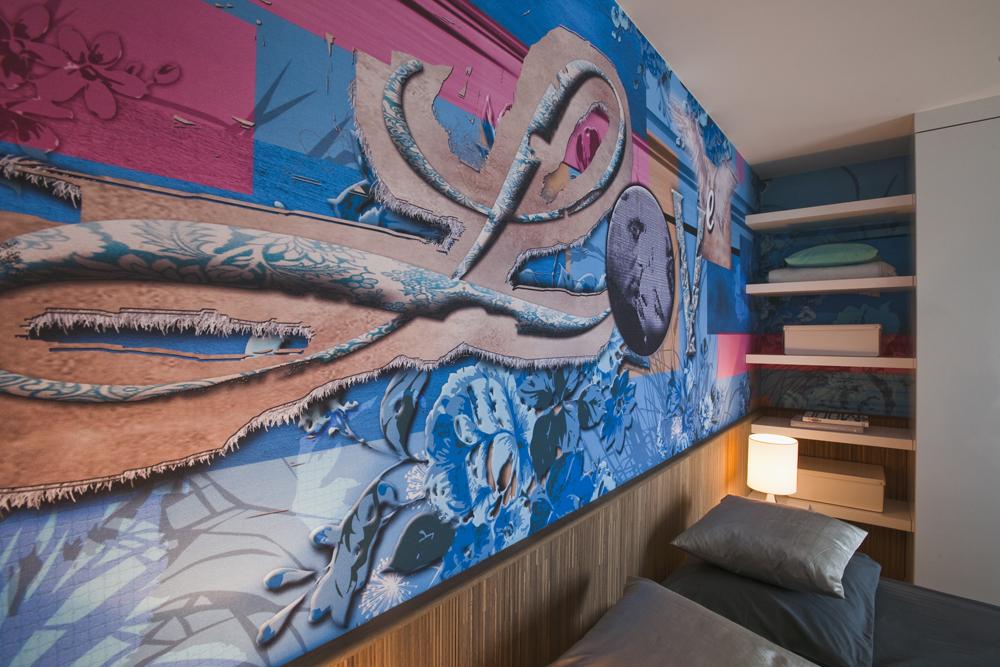 Behangpapier Accentmuur Slaapkamer : Modern appartement met hip behang ...