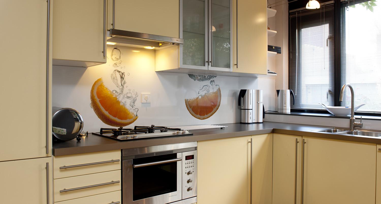 Foto spatwand een originele achterwand in de keuken - Foto keuken ...