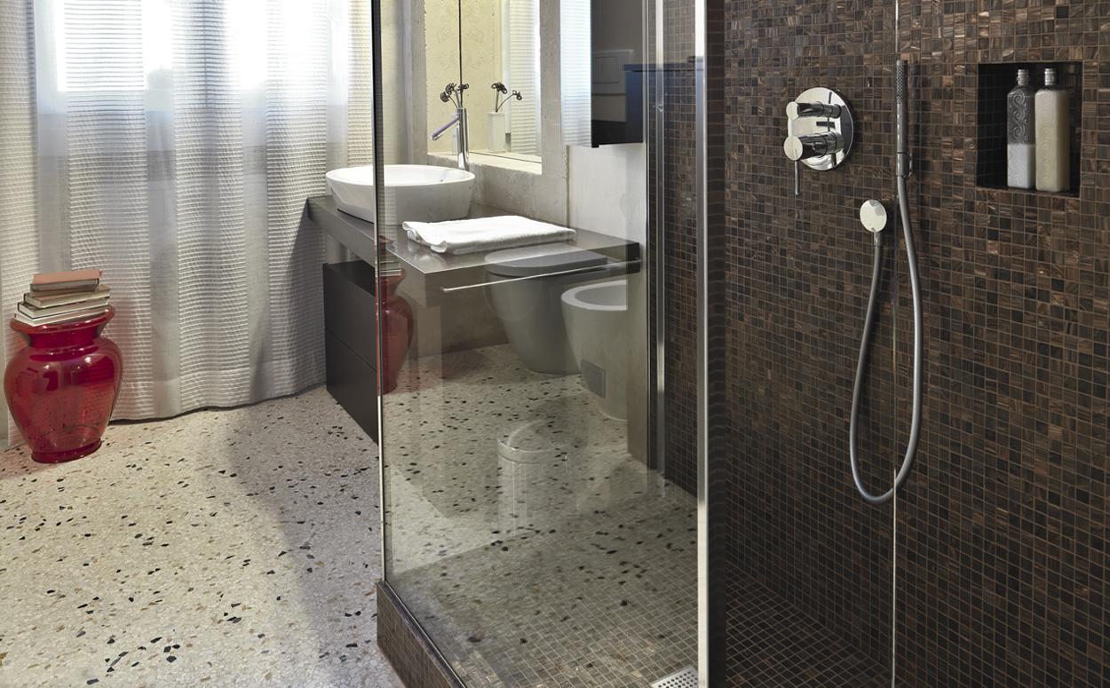 naadloze vloer badkamer brigee