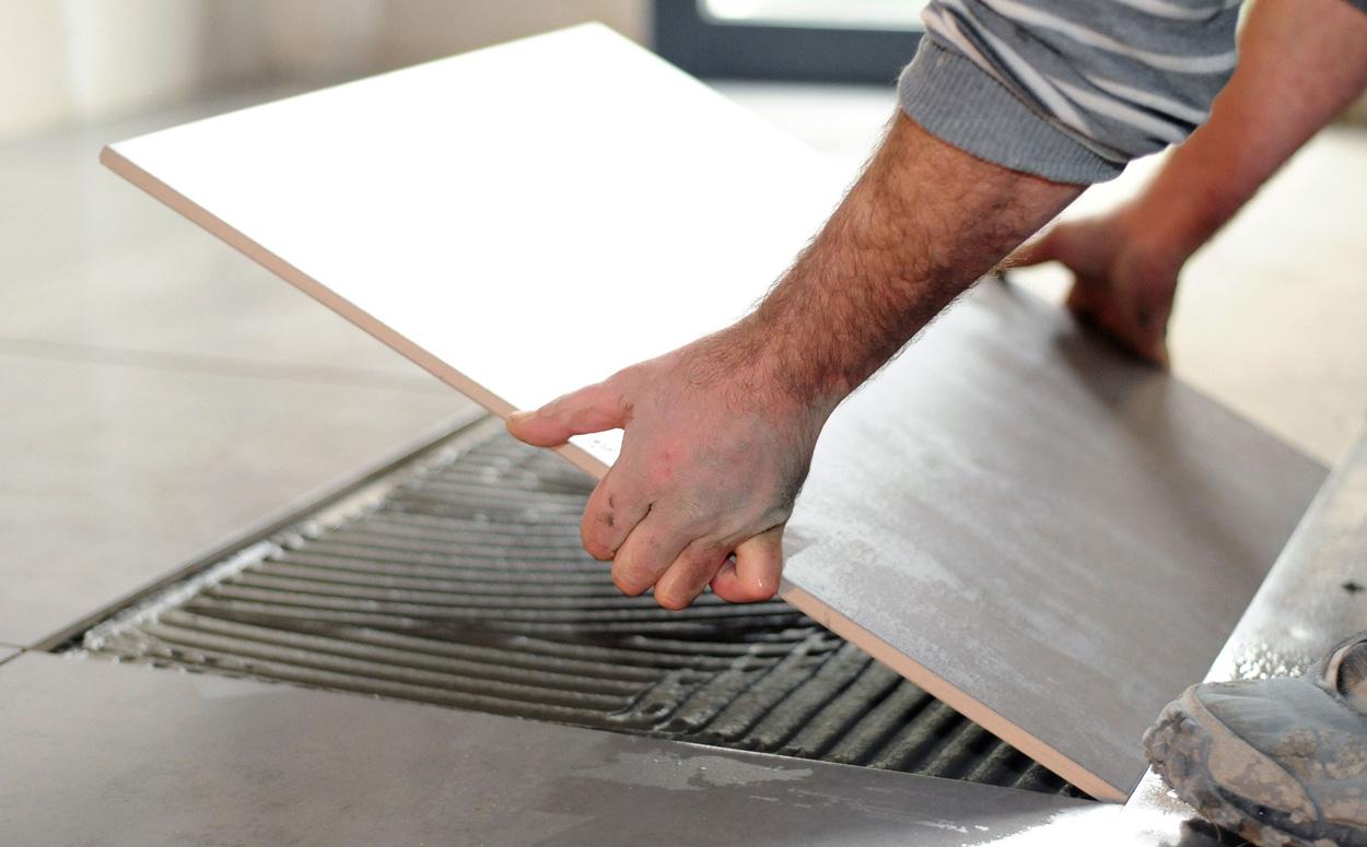 Muurtegels Keuken Verwijderen : Keramische tegels kiezen: Soorten & Belangrijke weetjes