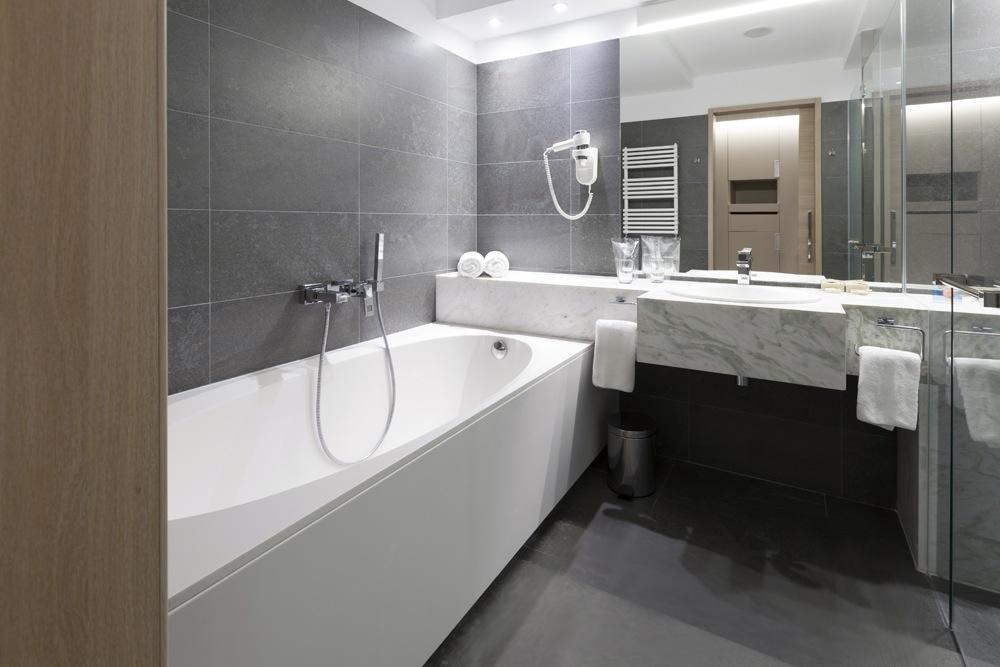 Gietvloer badkamer over tegels fresh unique hout badkamer foto