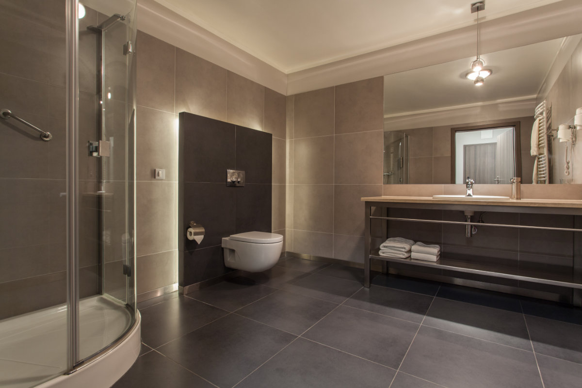 Badkamer installateur: 6 redenen waarom een badkamer installateur