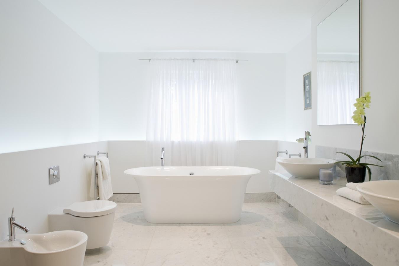Marmer in de badkamer  Tips en inspiratie
