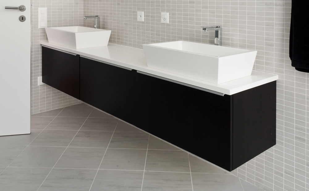Smalle wastafel badkamer ontwerp voor een kleine badkamer met wasmachine meer badkamermeubel - Lavabos ontwerp ...