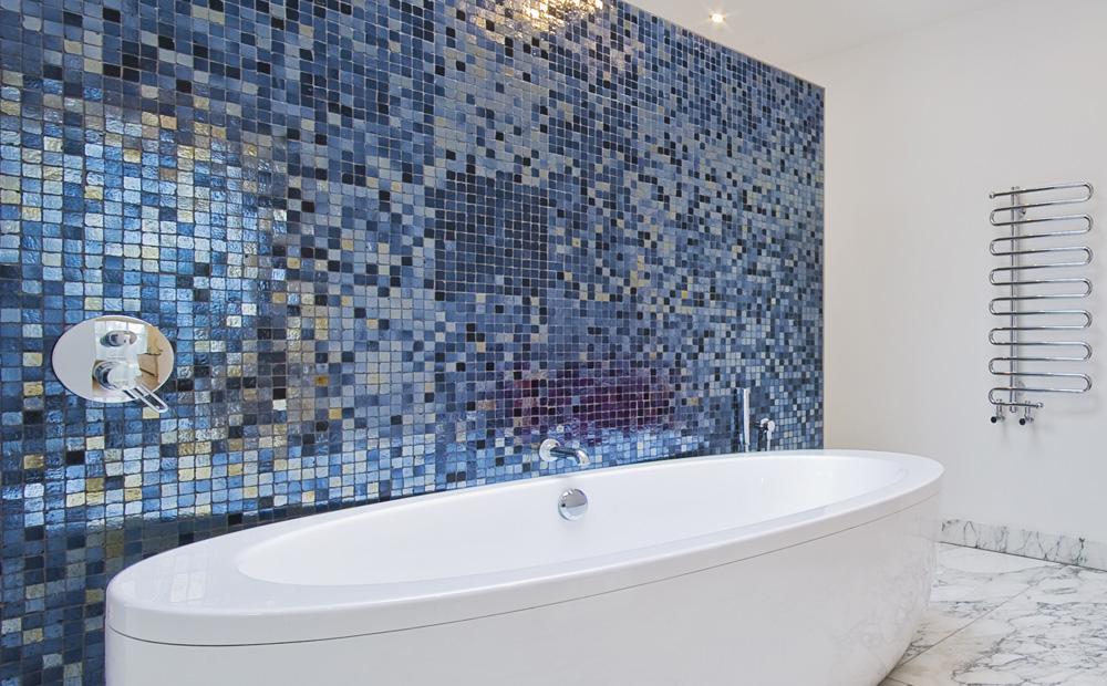 Wandbekleding badkamer alle materialen op een rijtje - En grijze bad leisteen ...