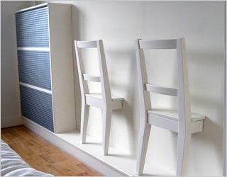 Ikea Bertil stoelen worden decoratieve kleerhangers