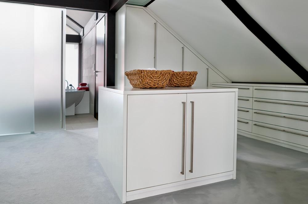 Slaapkamer Lage Kasten : Kasten voor de slaapkamer inbouwkasten of schuifdeurkasten kopen