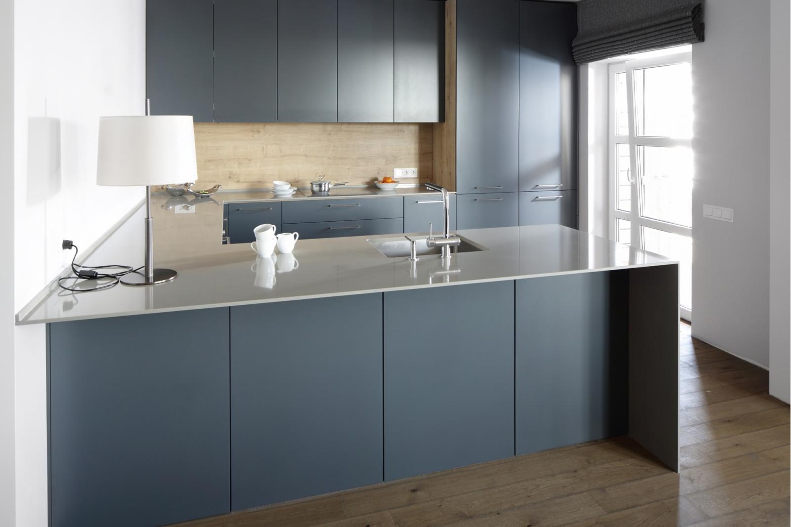 Grijze Keuken Met Zwart Blad : Keukenwerkbladen: Geschikte materialen en hun prijzen
