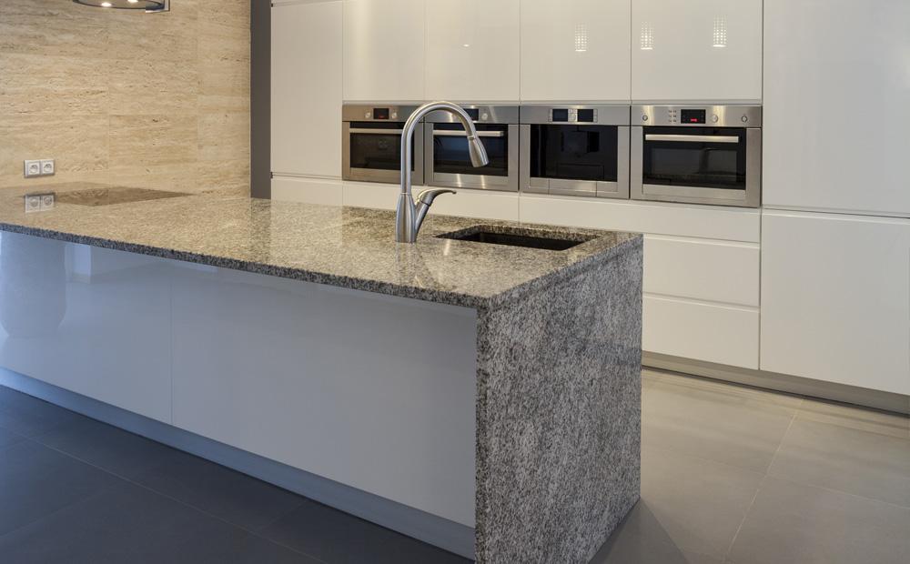 Keuken Marmer Zwart : Graniet werkblad in de keuken soorten voorbeelden