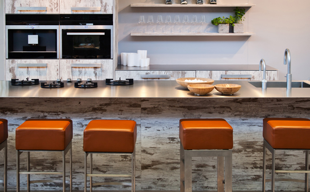 Keukeneiland Met Bar : Keukeneiland met spoelbak en kookplaat
