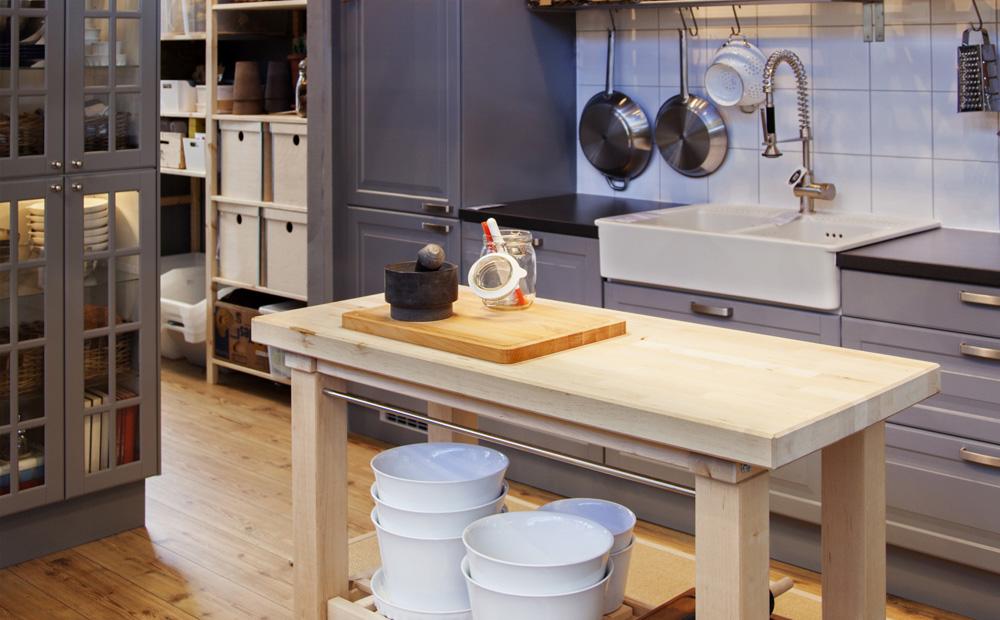 Landelijke keuken ontwerpen tips inspiratie - Decoratie woonkamer met open keuken ...