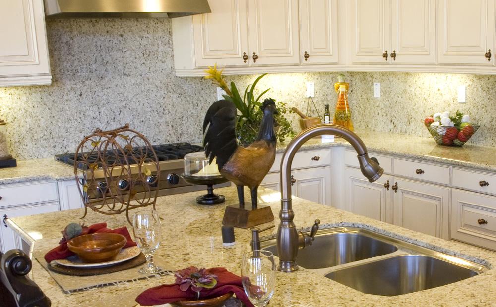 Spatwand keuken: materialen en hun eigenschappen