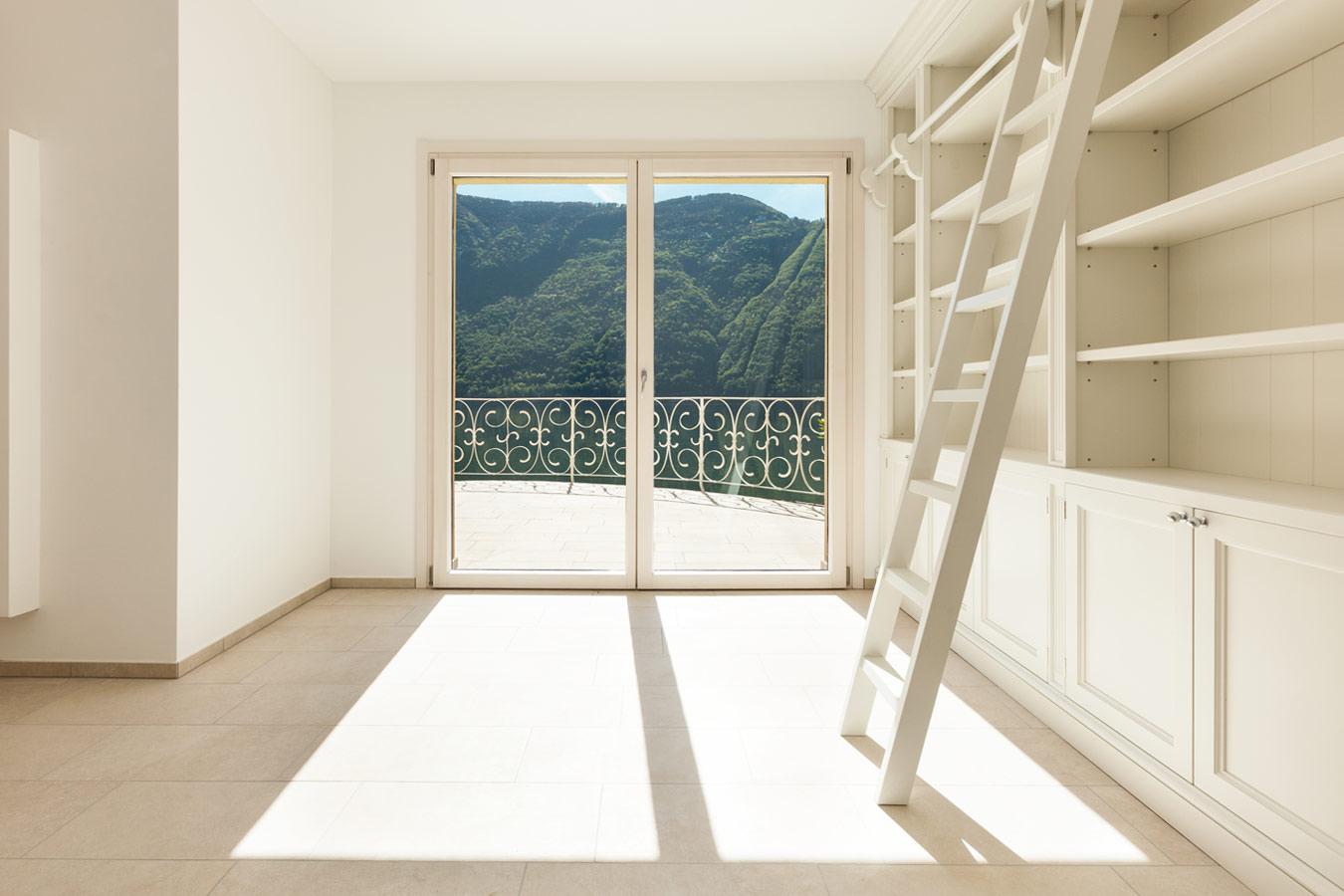 Keuken kleuradvies witte keuken : Witte dressing met ladder - Meubels u0026 kasten op maat