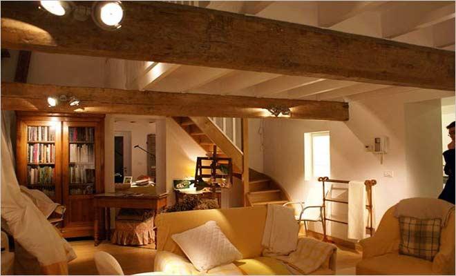 Boerderij renovatie moderne hoeve met landelijke inrichting for Interieur van eigentijds huis foto