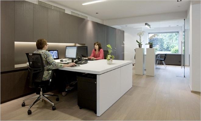 Bank  en verzekeringskantoor inrichting met modern interieur