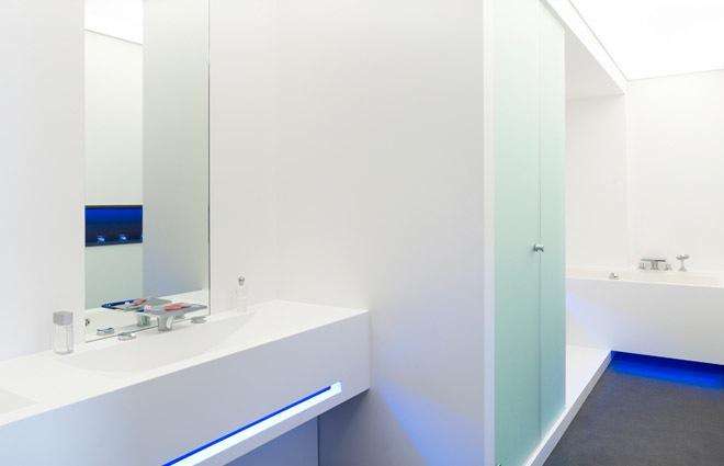 Design penthouse inrichting in antwerpen elft interieur - Witte badkamer ...