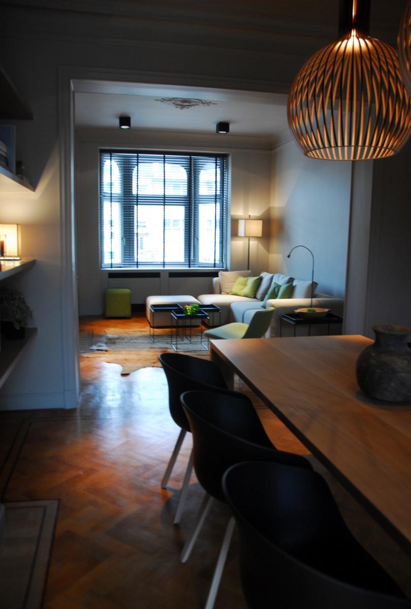 Gerenoveerd herenhuis met bewaarde elementen te brugge for Herenhuis interieur