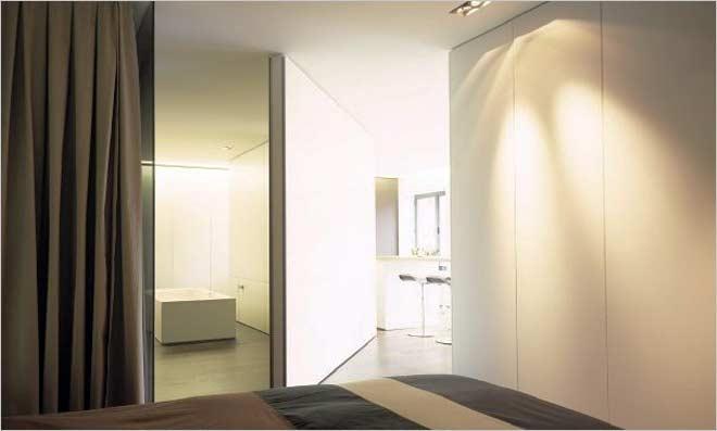 Loft inrichting van filip deslee de ijsfabriek in antwerpen - Slaapkamer met open badkamer ...