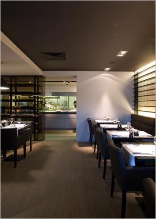 Buffet restaurant inrichting door Juma Architects  Binnenkijken
