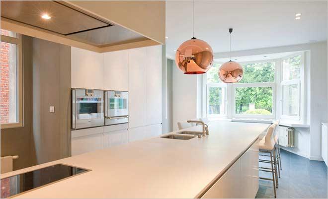 Renovatie woning inrichting door kove interieurarchitecten - Moderne keuken in het oude huis ...