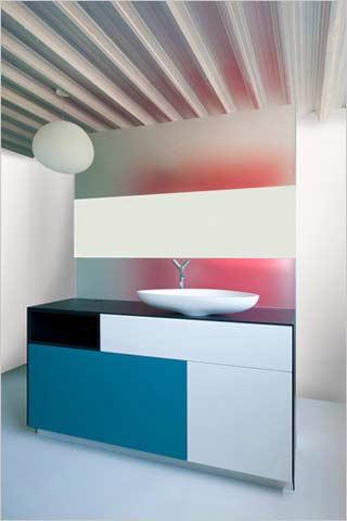 Kove interieurarchitecten industrieel interieur in moderne staalbouw woning - Muurbekleding houten badkamer ...