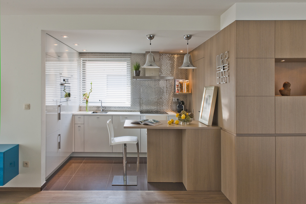 Engelse Keuken Merken : Modern appartement met hip behang Interieurdesigner