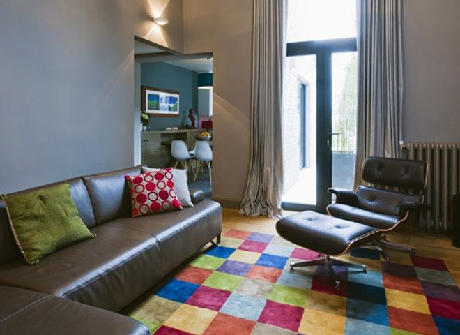 Gerenoveerde rijwoning met modern klassiek interieur - Size tapijt in de woonkamer ...