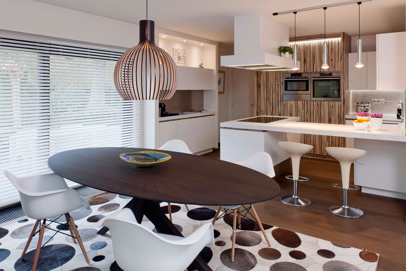 Ouderwetse Keuken Gordijnen : Gerenoveerde retro villa te Houthalen Binnenkijken