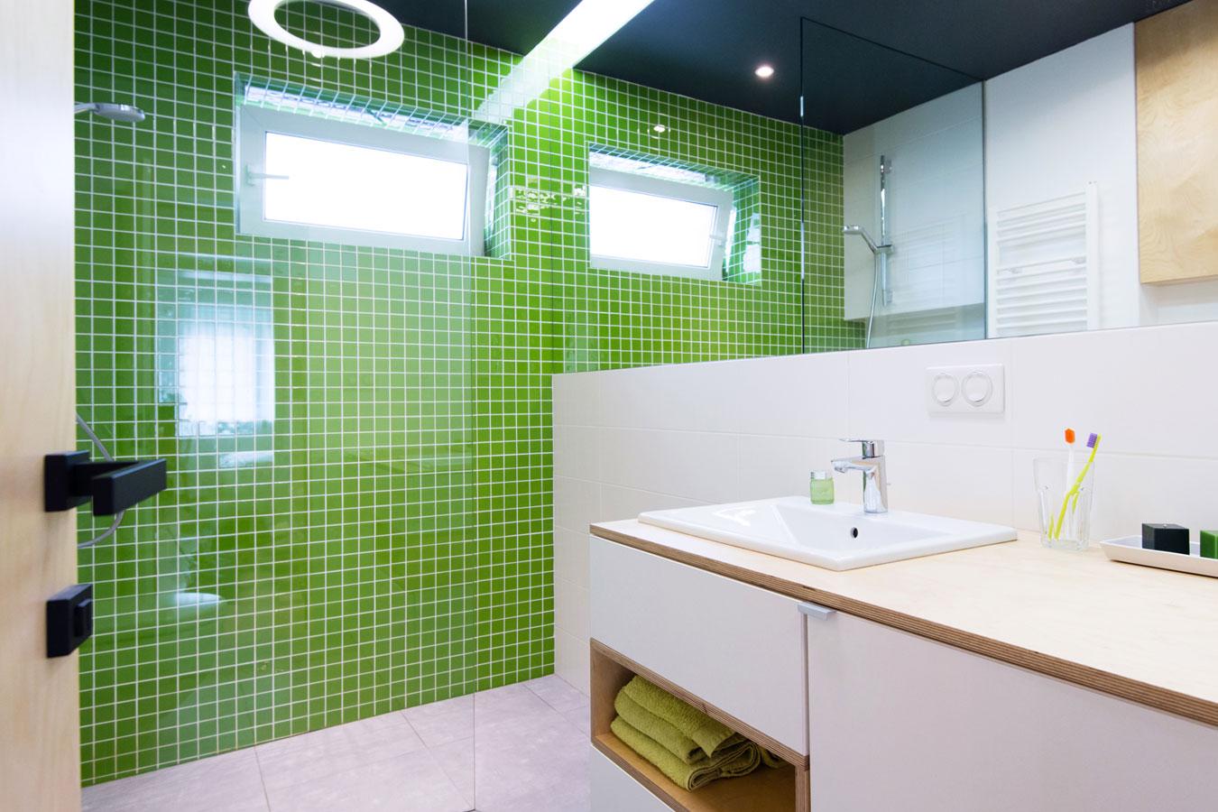 Trendy Kleuren Badkamer : Mozaïek tegels in de badkamer materialen inspiratie