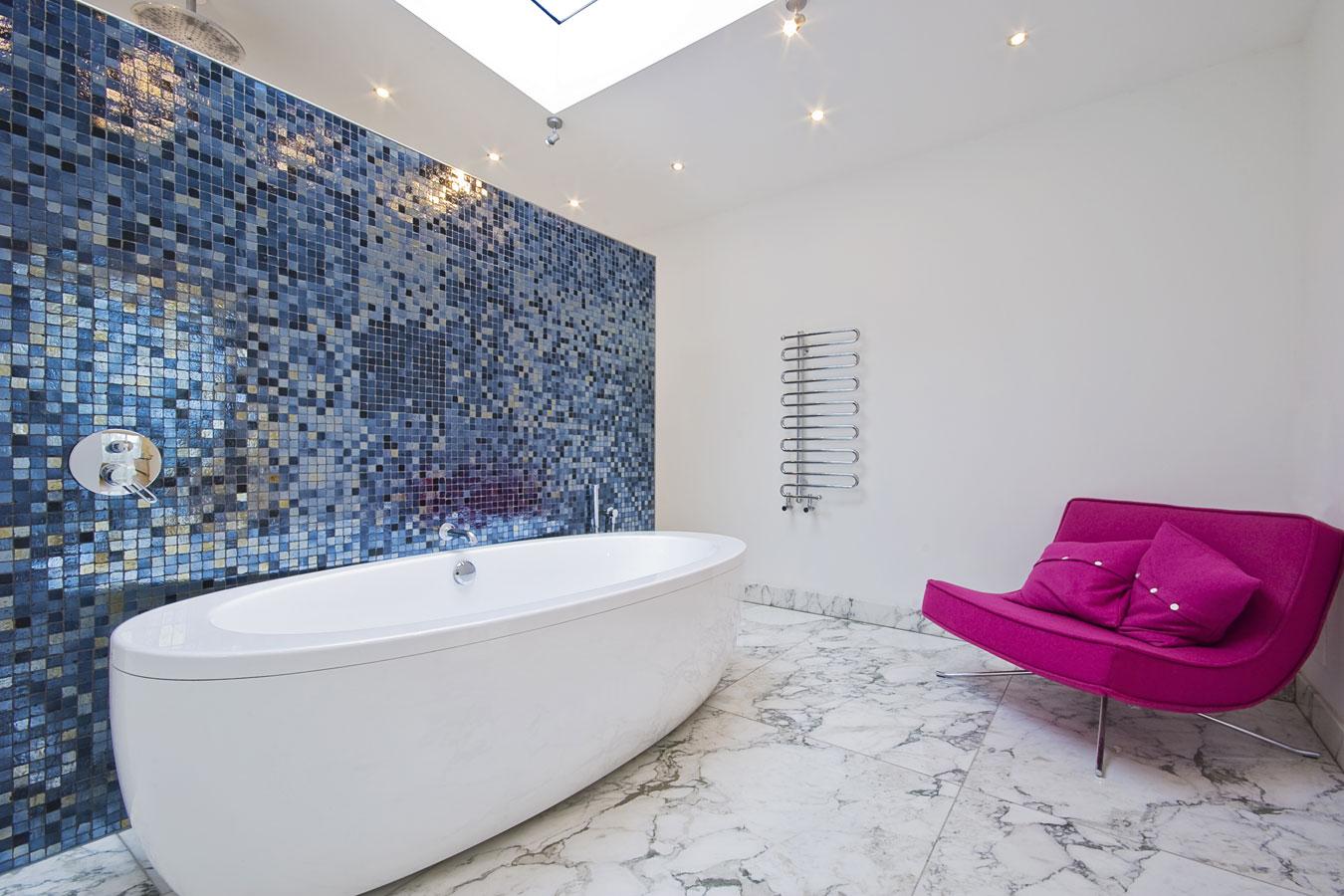 Mozaiek Badkamer Tegels : Mozaïek tegels in de badkamer materialen inspiratie