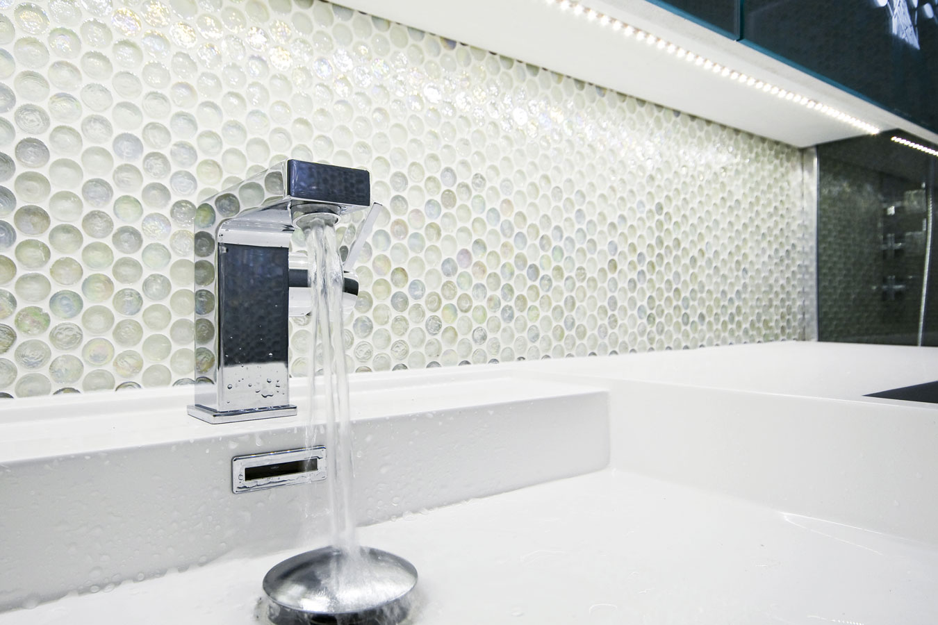 keuken wandtegels zonder voeg : Moza Ek Tegels In De Badkamer Materialen Inspiratie