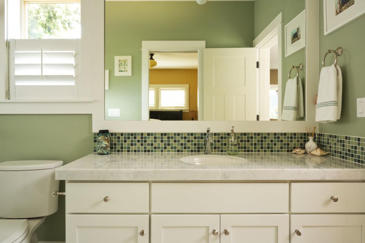 Oude keuken opknappen tips : oude keuken ophalen. oude tegels ...