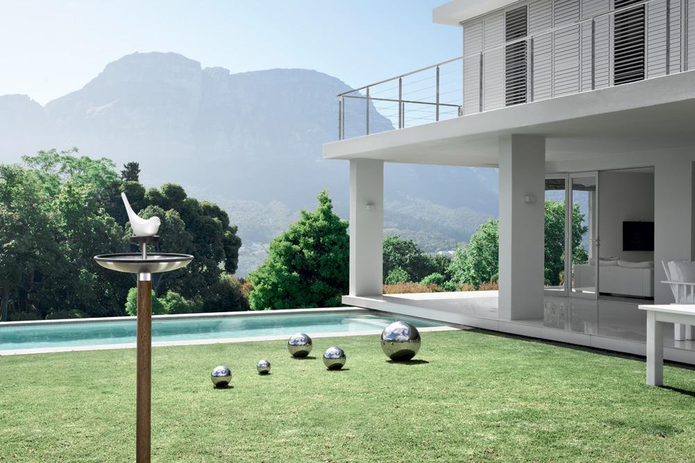 design voederhuisje op paal fuera blomus. Black Bedroom Furniture Sets. Home Design Ideas