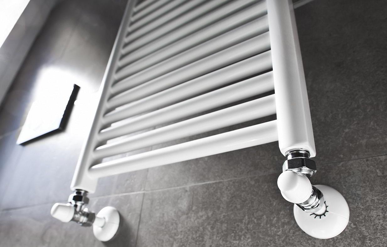Badkamer verwarming kiezen: Voor-en nadelen per systeem