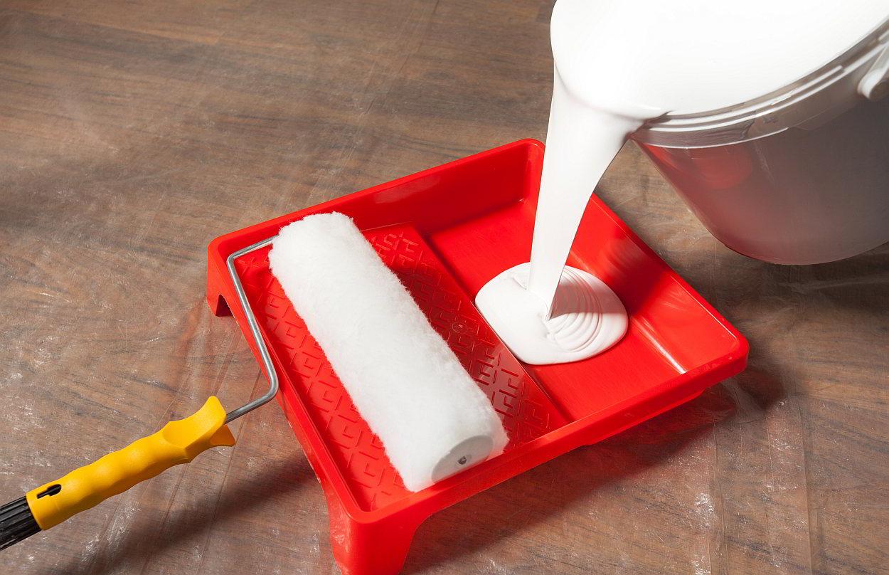 Hoe plafond schilderen stappenplan praktische tips - Hoe om te schilderen een trap ...