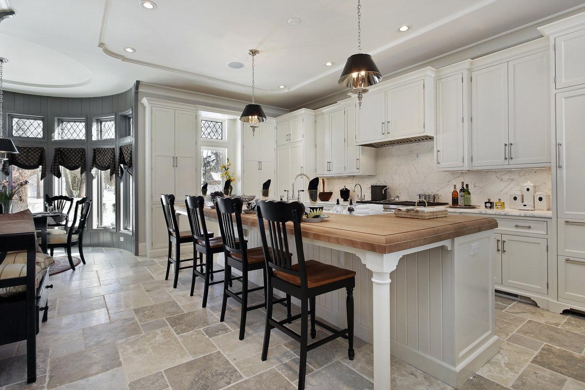 Landelijke keukens fotospecial 20 inspirerende keukens - Keuken witte tafel ...