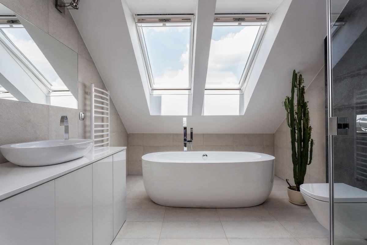 badkamers onder schuine daken