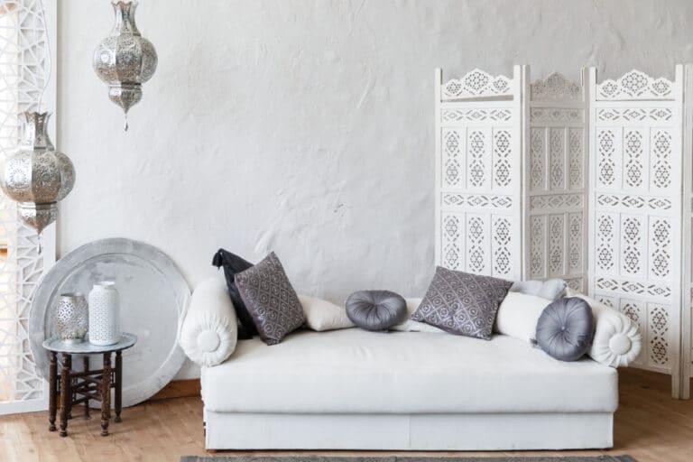 Marokkaans interieur met wittinten