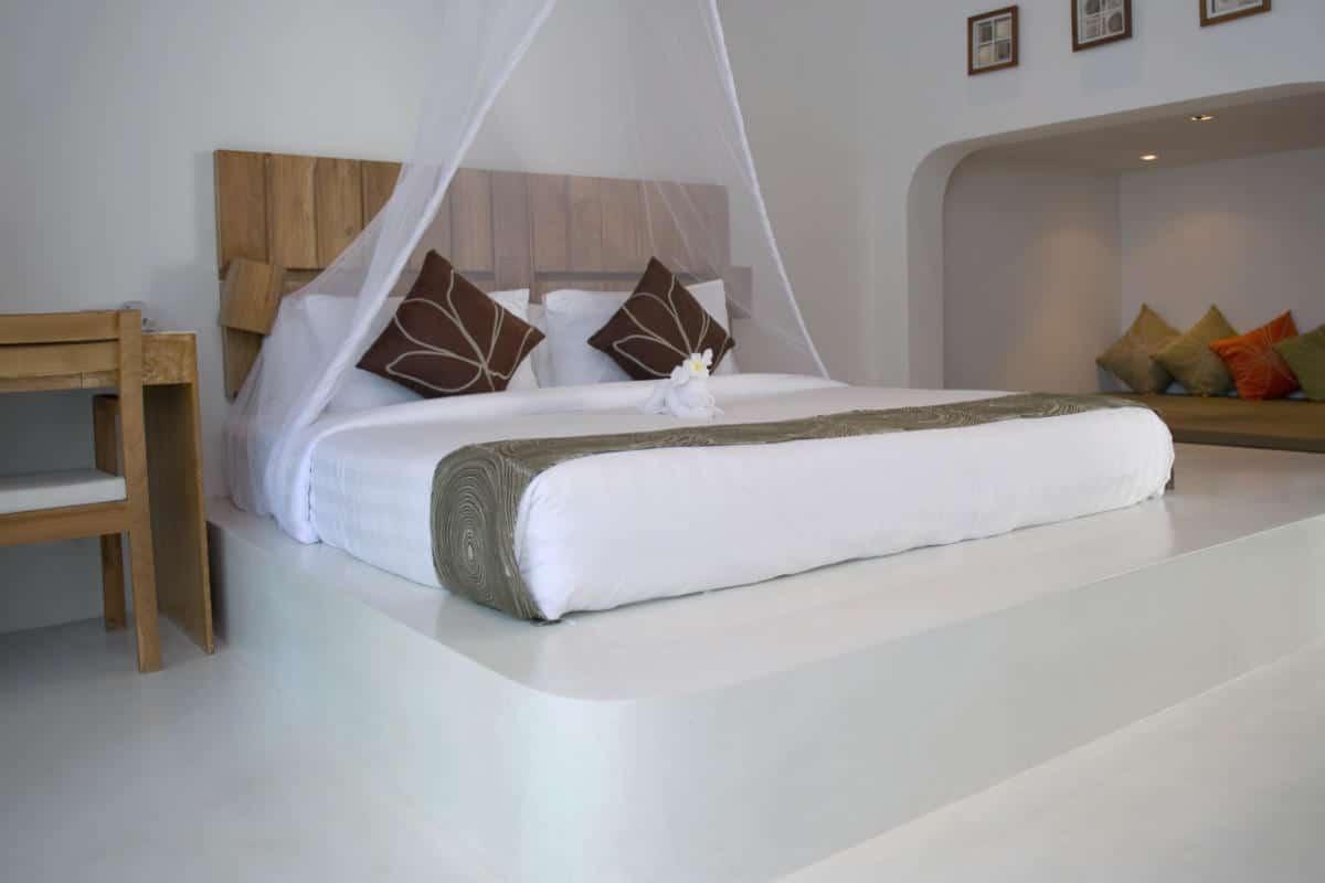 Sokkel betonstuc slaapkamer